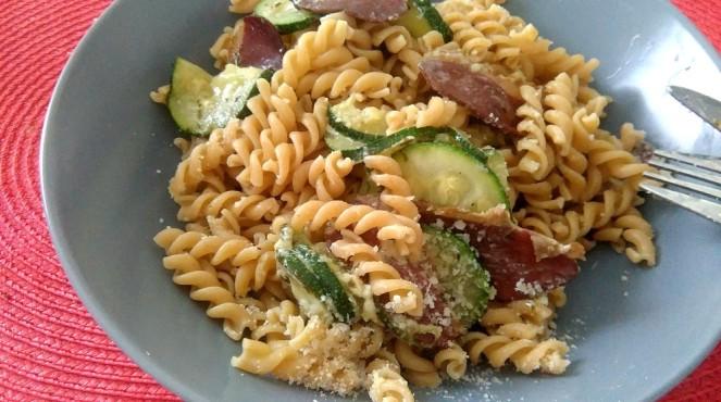 Spaghetti aux courgettes et au magret séché