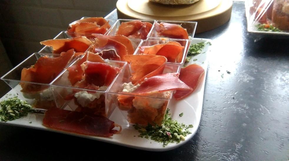 Verrines à la mousse de tomates confites